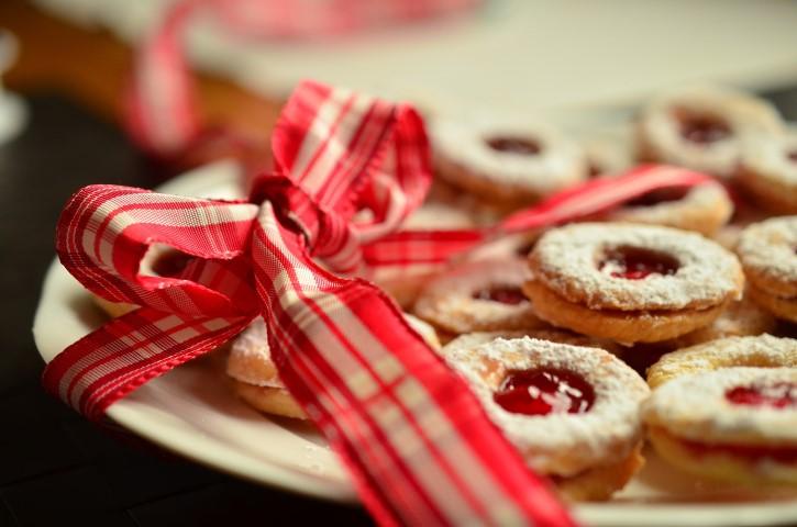 עוגיות סנדוויץ' במילוי ריבה- כל הילדים (והמבוגרים) אוהבים אותם...