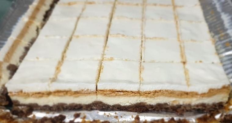 מתכון: עוגת גבינה וריבת חלב חלומית
