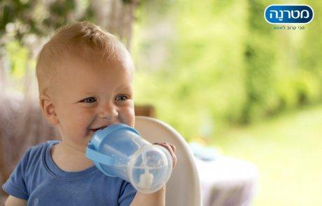 כל מה שצריך לדעת על הגשת מים לתינוקות
