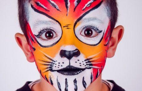 """לא חייבים לקנות מסכה! איפור """"הלו קיטי"""" ותחפושת אריה – בהדרכת אמנית האיפור אסנת הררי"""