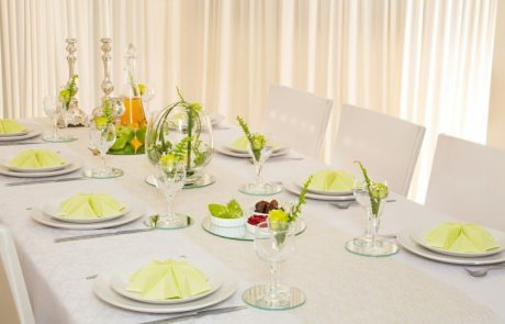 """רוחמי קליין :עריכת שולחן לר""""ה פשוט מושלם!"""