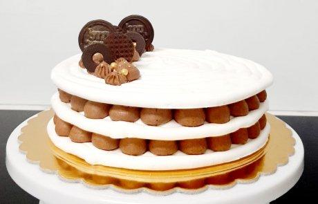 כך משדרגים כל חגיגה: שכבות מרנג שוקולד