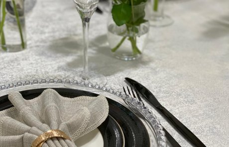 מזל פנחס: עורכת שולחן לשבת המלכה:)