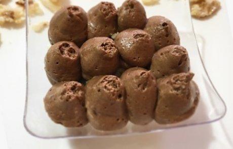 מוס שוקולד, וניל וקראסט שקדים – מנה אחרונה מושלמת לליל הסדר!