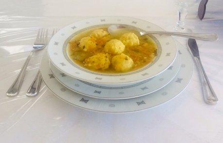 מרק ירקות עם פאלשע קניידלעך / ליאורה כהן