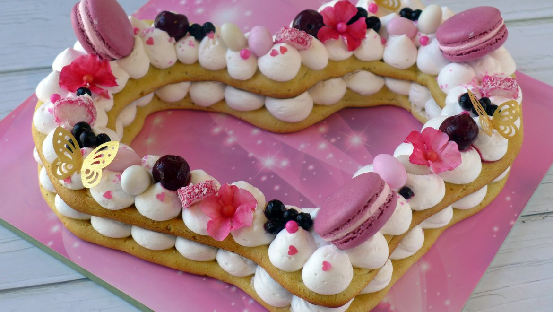 כנסי, יש לנו 2 זוכות! כנראה שבאמת מגיעה להן העוגה הטעימה והיפה הזו:)