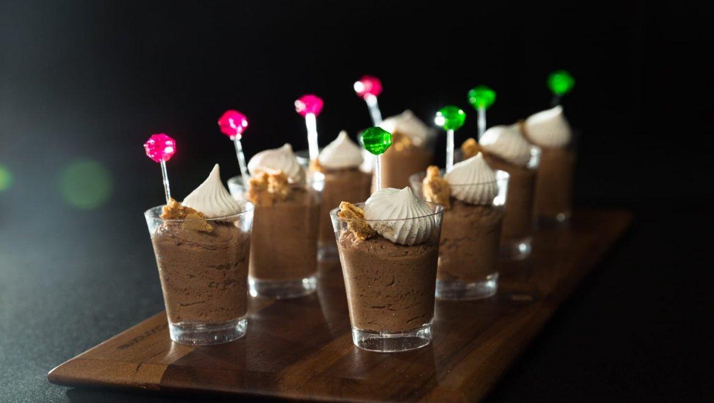 כשר לפסח – קינוח מוס שוקולד פרווה, קל להכנה טעים ומרשים:)