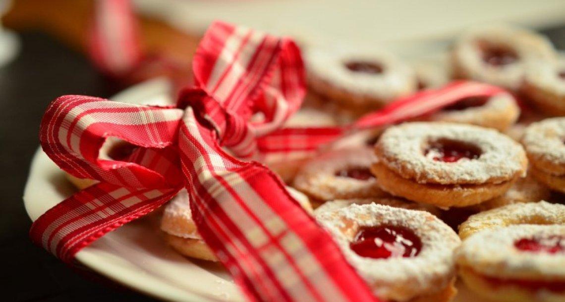 עוגיות סנדוויץ' במילוי ריבה- כל הילדים (והמבוגרים) אוהבים אותם…