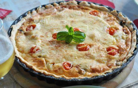 מתכון לקיש עגבניות שרי וגבינה בולגרית