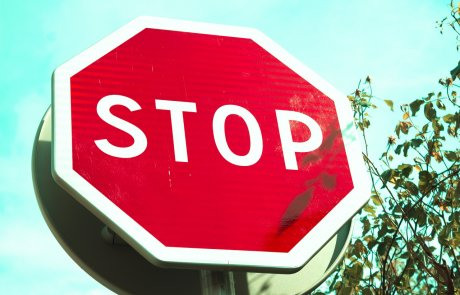 """רשו""""ת השידוך: אז איך לא נפגעים מדחיה או תשובה שלילית?/ הרב פנחס גולדשטיין"""